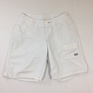 Women's The North Face White Shorts 6 Long